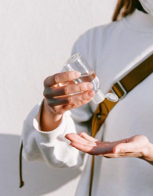Hold dig ren og sund med håndsprit